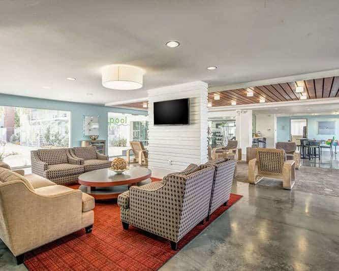 Resident-Lounge